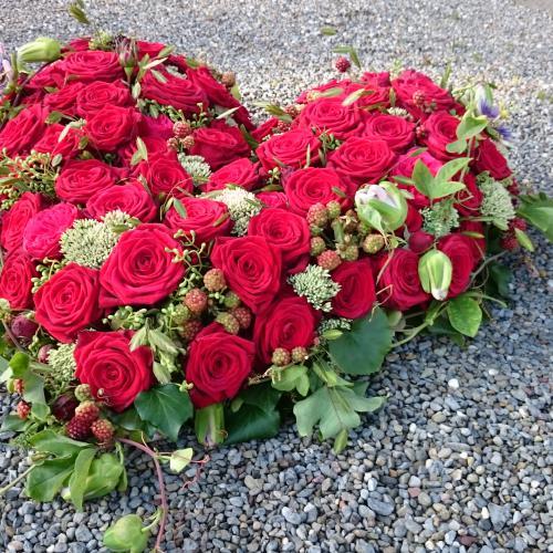 Trauerherz Rosen rot