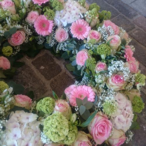 Trauerkranz Rosen rosa