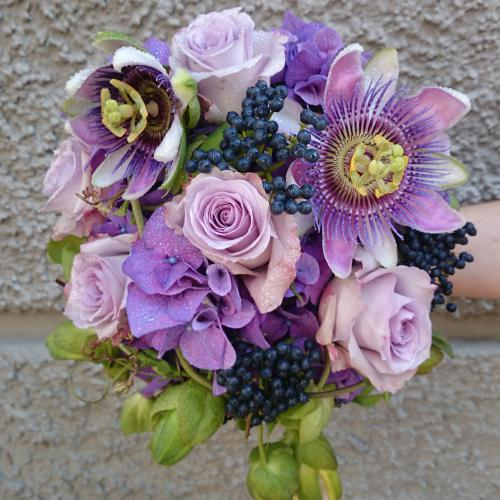 Brautstrauss lila Passionsfrucht