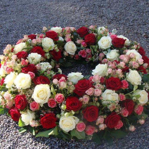 Trauerkranz rot Rosen